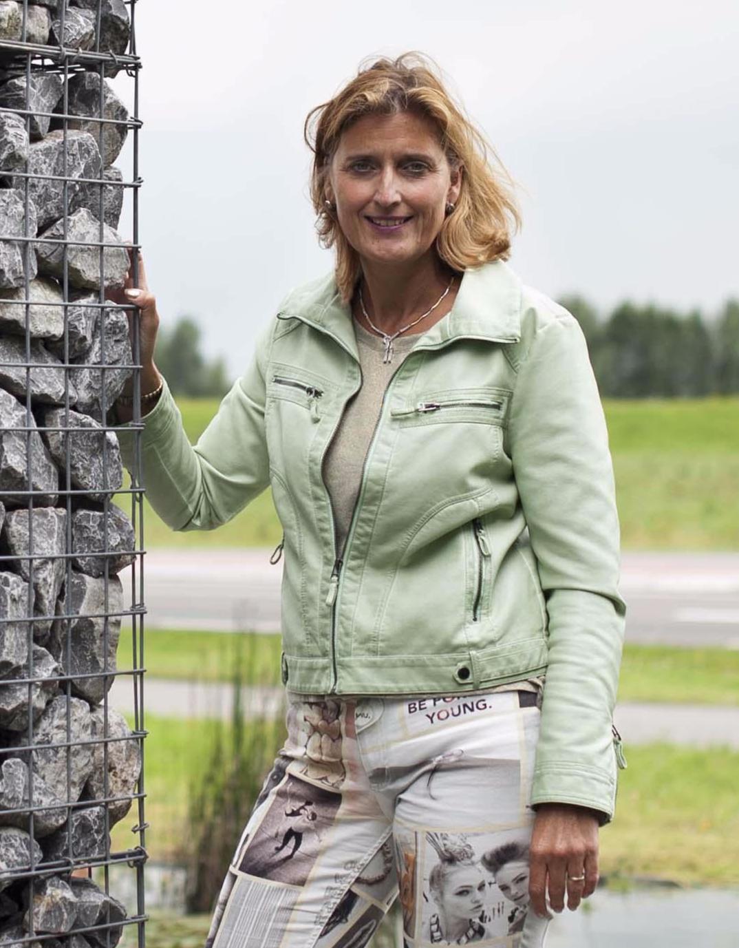 Esther Hofmans